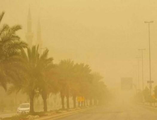 """""""الإنذار المبكر"""": استمرار الرياح المثيرة للأتربة في عدد من المناطق"""