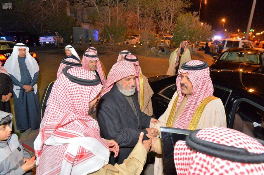 أمير حائل يعزي أسر آل علي والزويمل والضبعان