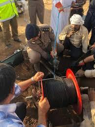 الدفاع المدني بوادي الدواسر ينقذ شخص سقط داخل بئر ارتوازية